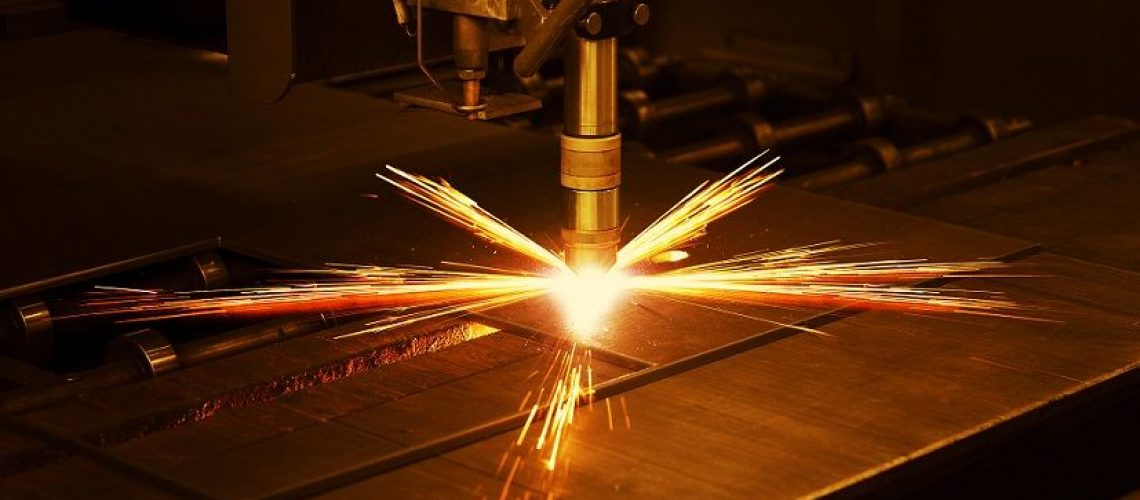 how to use a plasma cutter